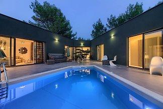 LuxusVilla Sandra with private Pool