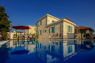 Villa Zoe ,private pool, Beach 2km