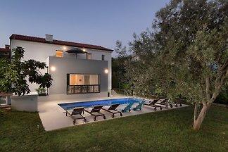 Villa Medulin II, 500m Strand