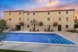 Villa Simeanna für 20 Personen