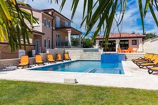Villa Maxima II mit privatem Pool