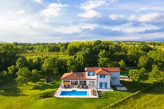 Villa Dream mit Pool, max 12 Pers