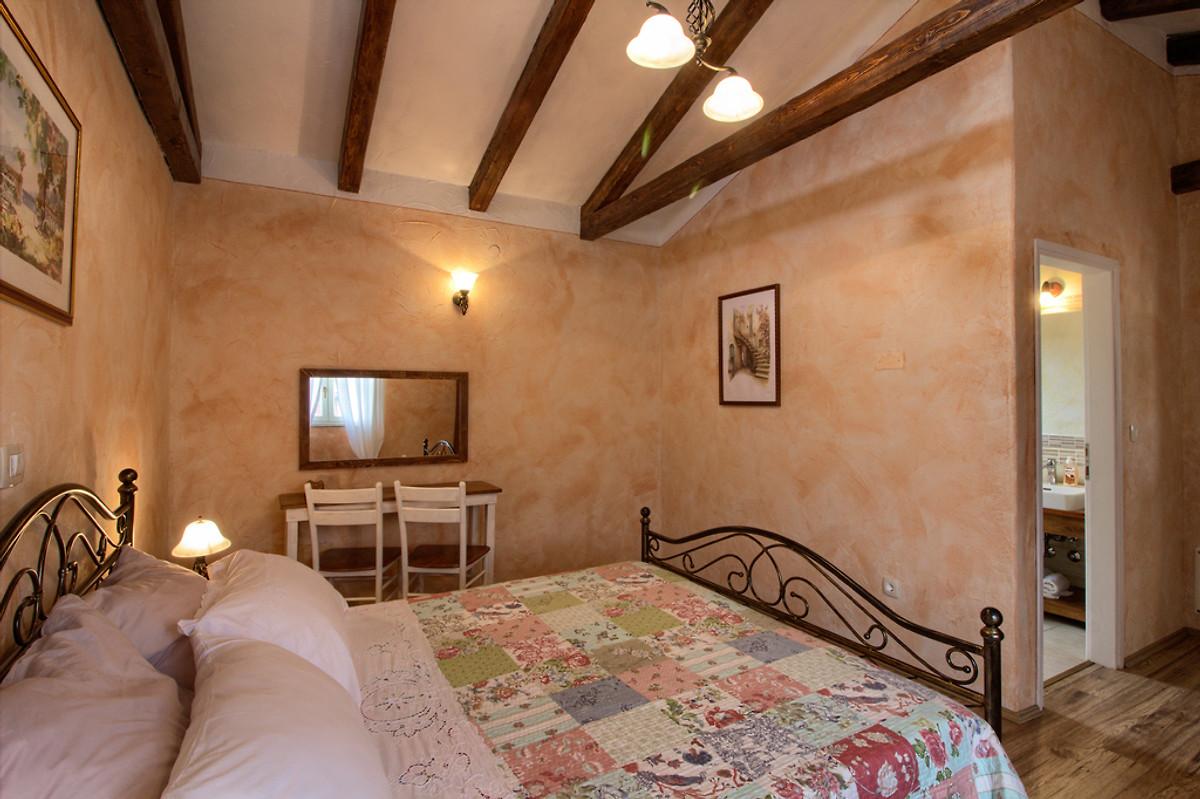 Villa natura mit pool max 9 g ste ferienhaus in labin mieten - Schlafzimmer ausstattung ...