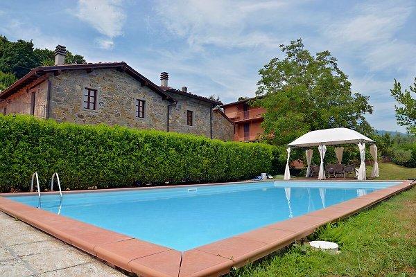 Villa Franco en Camporgiano - imágen 1