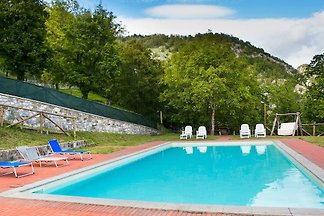Cottage in the medieval village with large pool. The agriturismo consists of 2 cottages that can be rented together or individually.