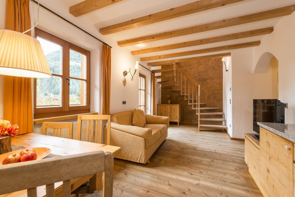 Naturresidenz mair zu hof ferienwohnung in sand in for Arredamento moderno mansarda
