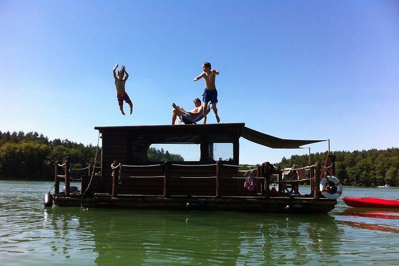 Natur entspannte erleben! Familienurlaub, an Bord mit Freunden, Angelferien