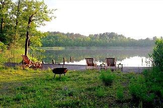 Moderne Ferienwohnung direkt am See