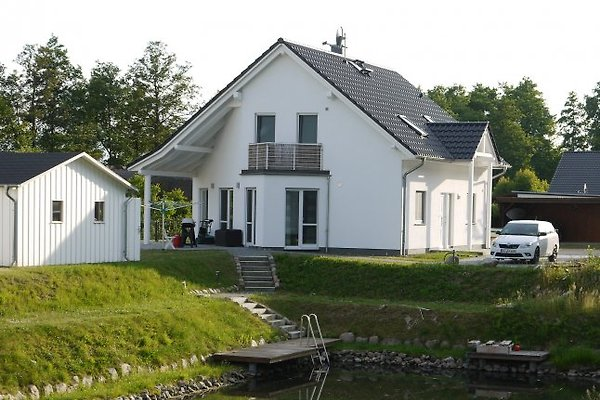 Ferienhaus mit Sauna direkt am Krakower See