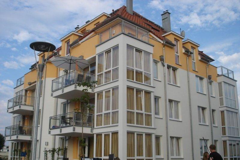 Haus Windrose/Wohnung mit Sonnenschirm