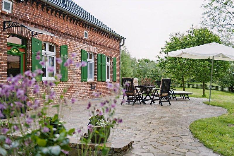 Terrasse vom Elbferienhaus in Wootz
