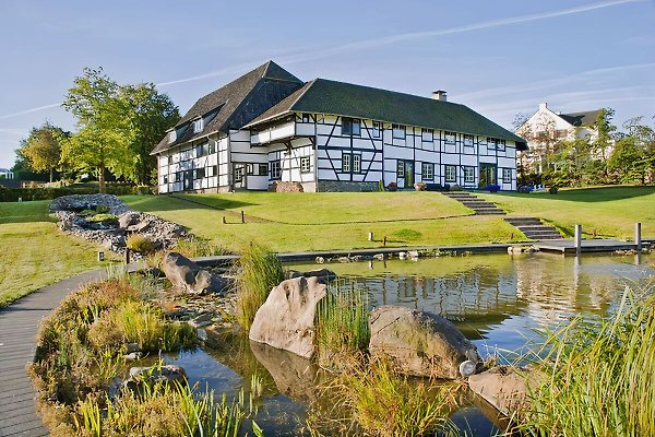Un gen Beuke con piscina de lujo en Maastricht - imágen 1