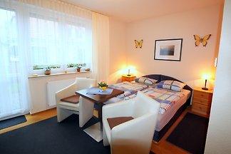 Ferienzimmer mit Küche und Terrasse