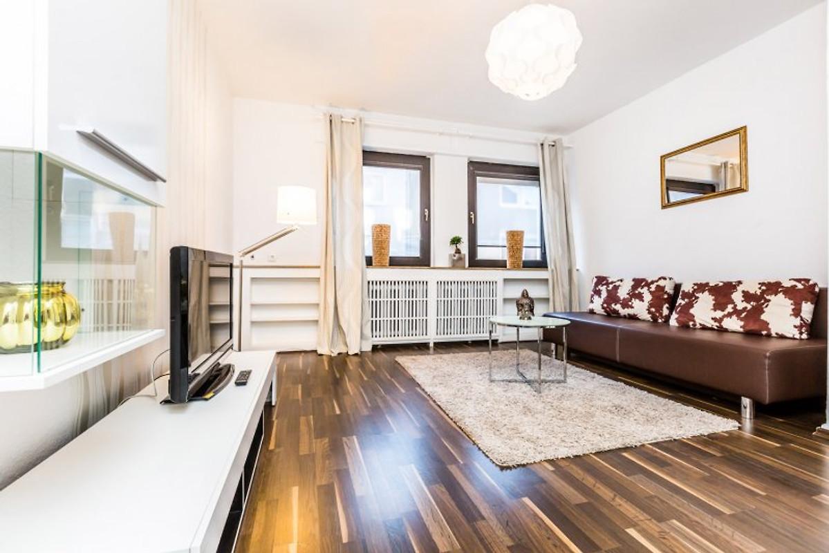 apartment m lheim g 38 ferienwohnung in k ln mieten. Black Bedroom Furniture Sets. Home Design Ideas