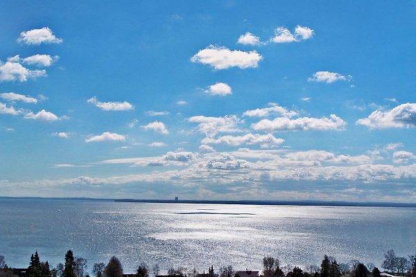 Dieses Foto zeigt den Orginal-Panorama-Meerblick von der Penthouse-Terrasse Ihrer Ferienwohnung (Meerblick genießen Sie übrigens von jedem Fenster der Fewo aus)