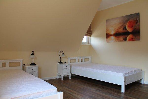 haus lindenstra e ferienwohnung in schlo holte stukenbrock mieten. Black Bedroom Furniture Sets. Home Design Ideas