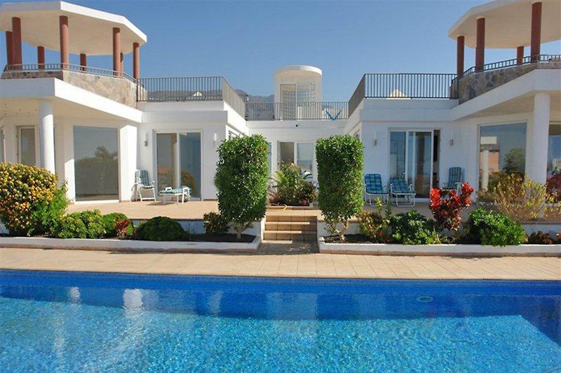 Villa mit Privatgpool
