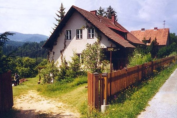 Haus am Dorfrand, Südhang en Mühlen - imágen 1