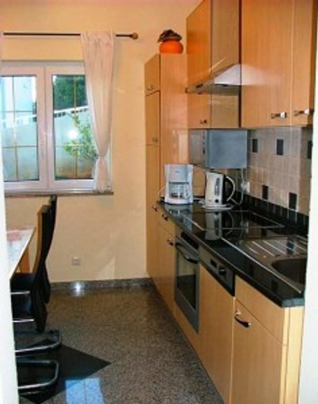 villa wiesbaden wohnung 1 ferienwohnung in okrug gornji mieten. Black Bedroom Furniture Sets. Home Design Ideas