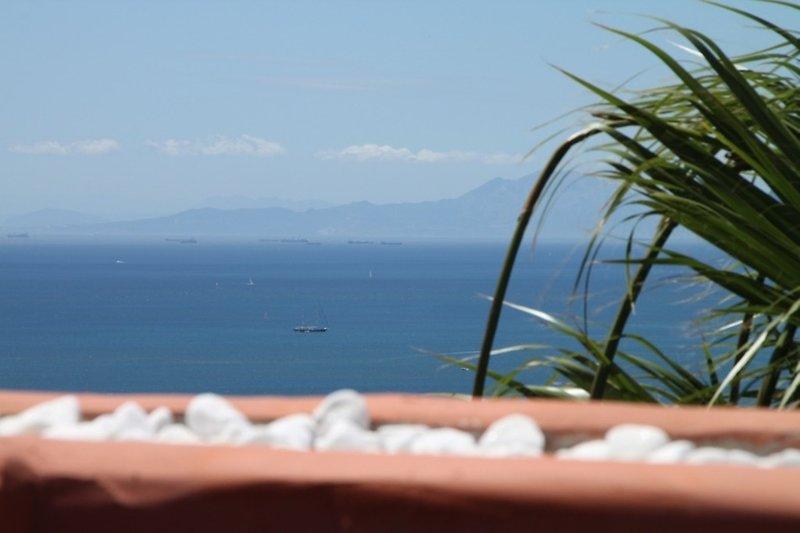 Blick von der 40qm Dachterrasse auf Gibraltar