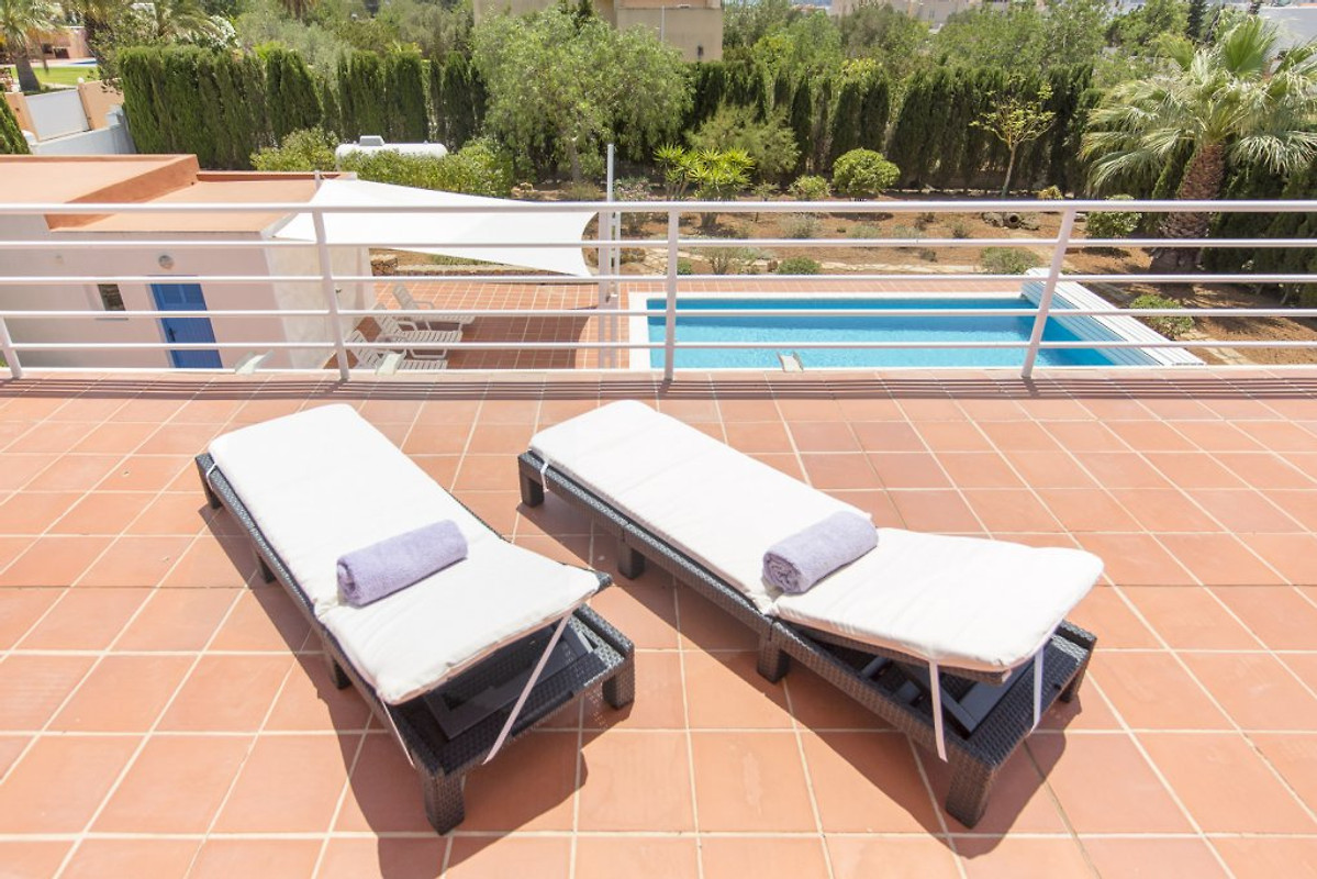 ferienhaus can jesus mit pool ferienhaus in ibiza stadt. Black Bedroom Furniture Sets. Home Design Ideas