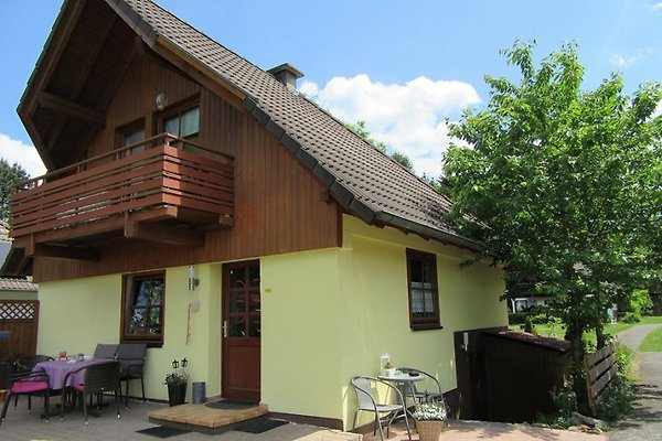 Liebevoll gestaltetes Ferienhaus mit Seeblick