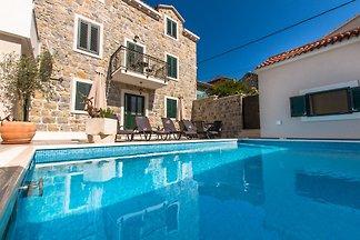 Villa nel centro di Makarska FILIPPO