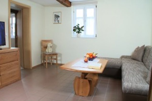 Zum waldrand ferienwohnung in erfweiler mieten for Echtholztisch wohnzimmer