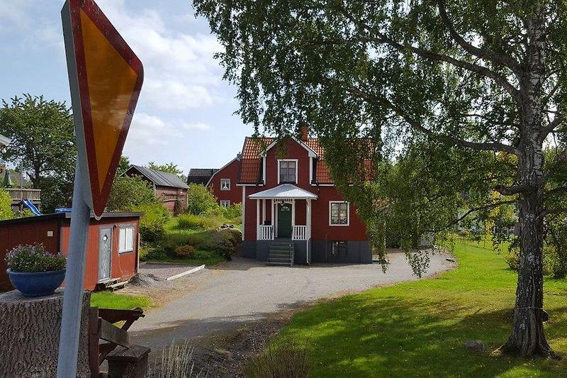 Villa Hälge Strassenansicht