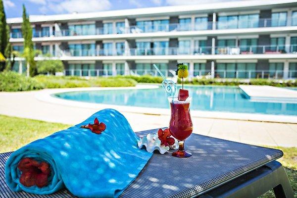 Serenity Pool View Apartment à Vilamoura - Image 1