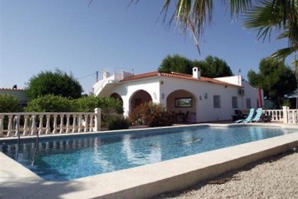 Villa im spanischen Stil mit großem nicht einsehbaren Pool