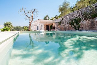 Trulli Gordini: Trulli con piscina