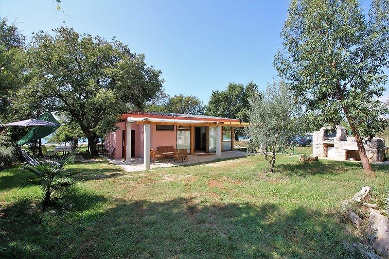 Öko-Ferienhaus mit Garten
