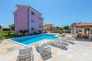 Apartamento N.25 (6 + 2) mit Schwimmbad