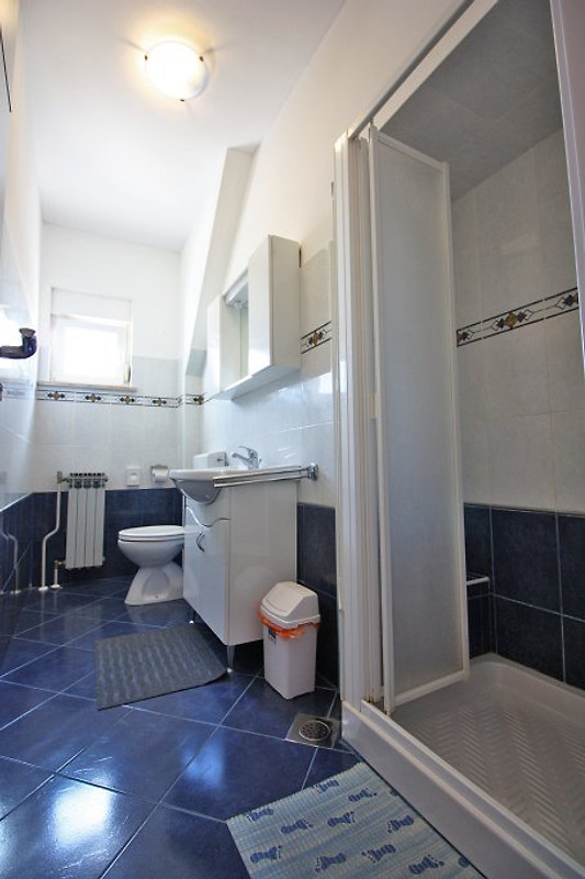 apartment n 9 6 2 150 m vom kiesstrand ferienwohnung in fa ana mieten. Black Bedroom Furniture Sets. Home Design Ideas