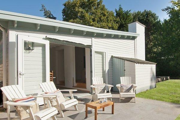 Das neulich renovierte (2015) Ferienhaus mit sonniger Terrasse