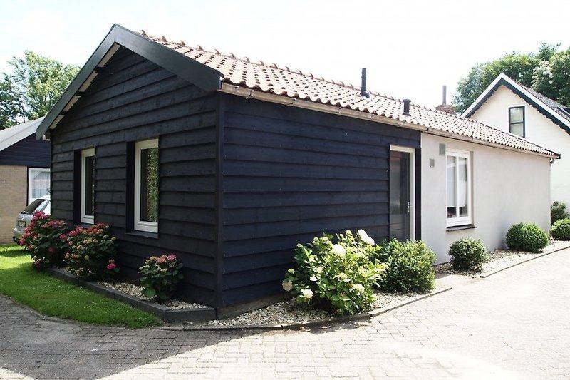 Das gemütliche, freistehende Ferienhaus mit umzäuntem Garten