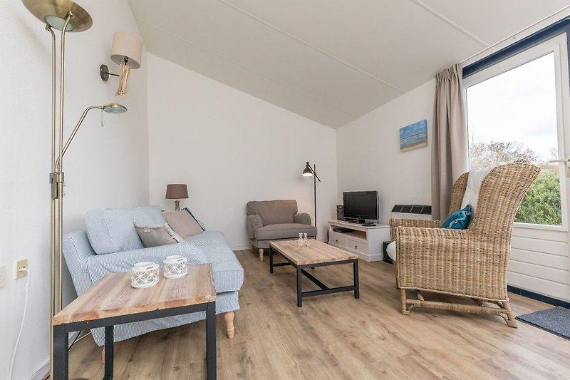Das komplett neu eingerichtete Wohnzimmer