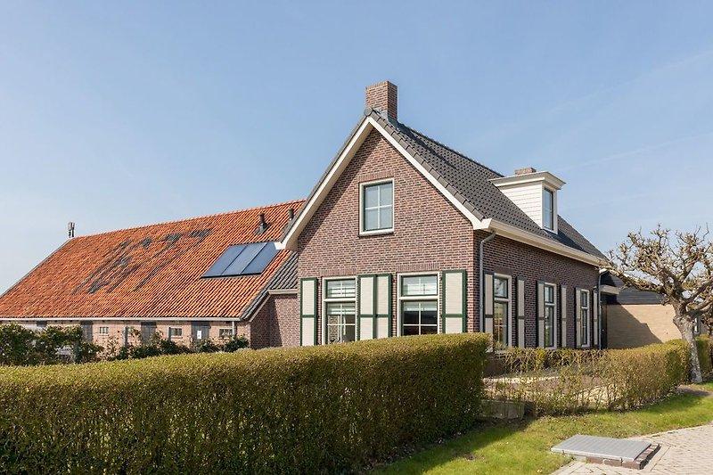 Das neulich renovierte Bauernhaus