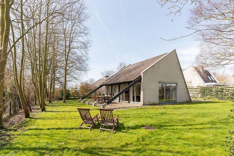Das helle, modern eingerichtete Ferienhaus