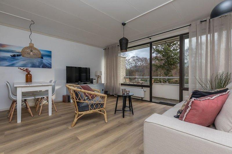 Das neu eingerichtete, helle Wohnzimmer