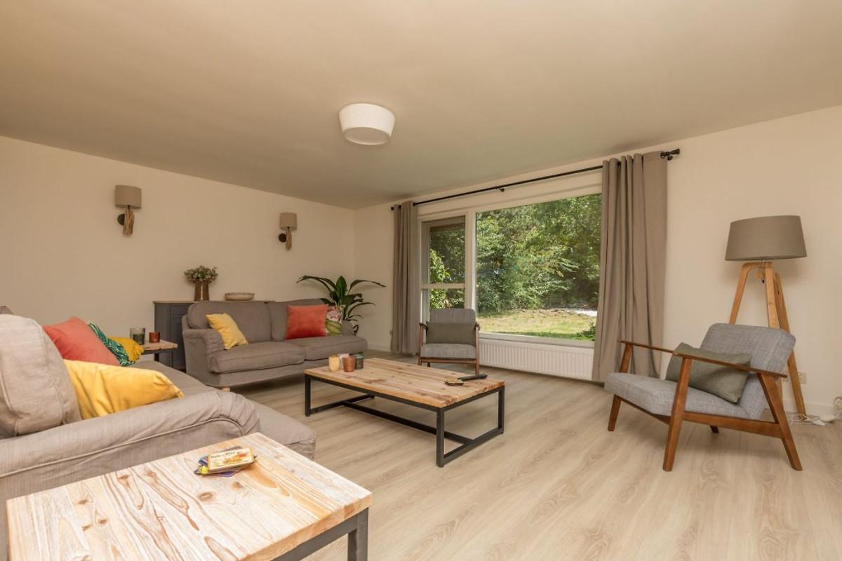 De duinparel ferienhaus in nieuw haamstede mieten for Eingerichtete wohnzimmer