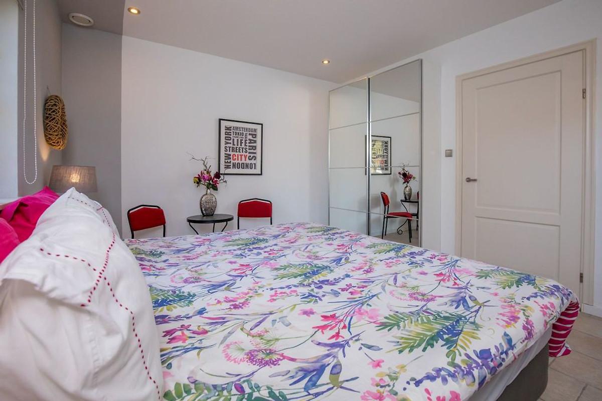oan de zji ferienhaus in renesse mieten. Black Bedroom Furniture Sets. Home Design Ideas