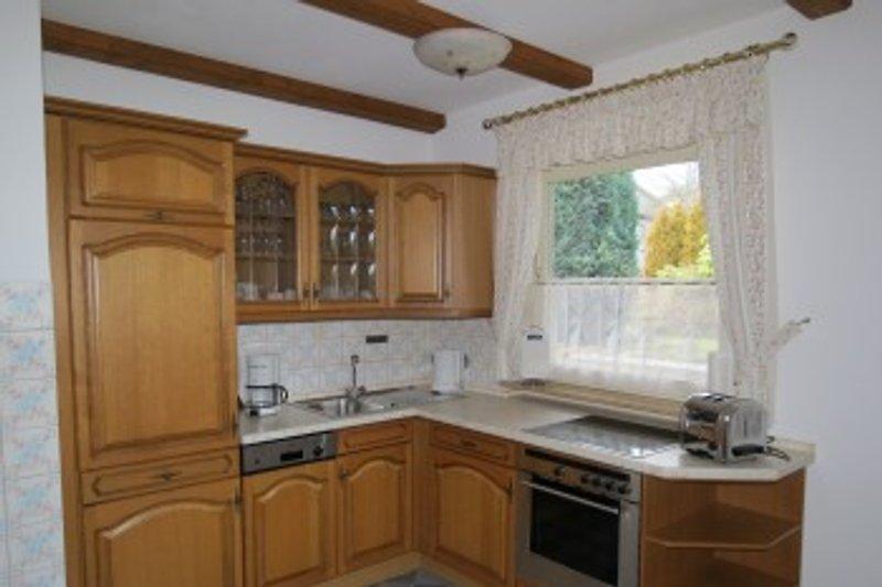 rustikale Küche mit gemütlicher Essecke