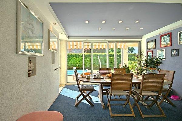 villa rossana ferienhaus in nova vas mieten. Black Bedroom Furniture Sets. Home Design Ideas