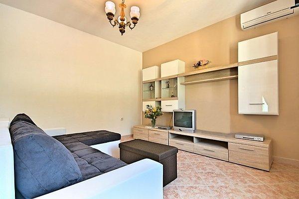 Ferienwohnung legovic ferienwohnung in vi inada mieten for Wohnzimmer 33 qm