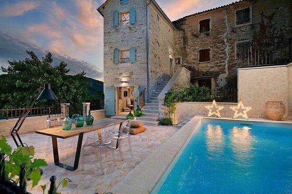 Casa Gradinje en Oprtalj - imágen 1