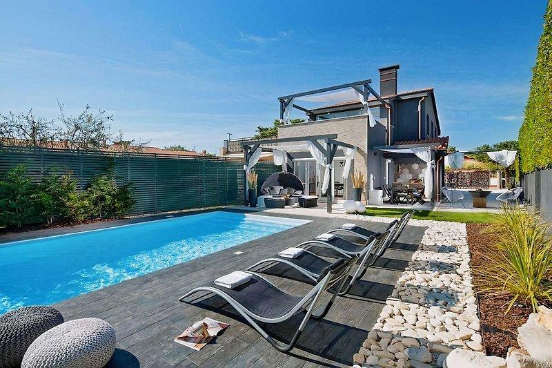 Villa Evita mit Pool