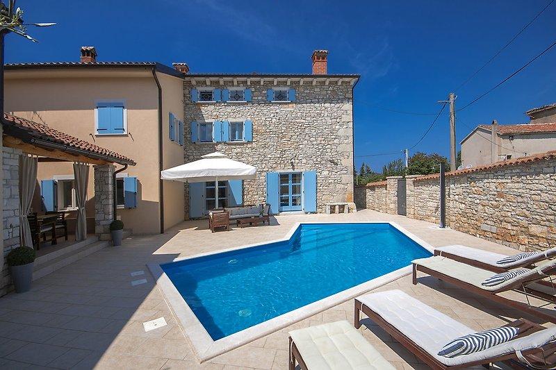 Villa Regina mit Pool