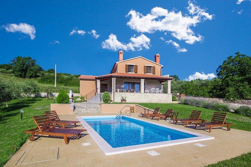 Villa Fiore Spinovci mit Pool